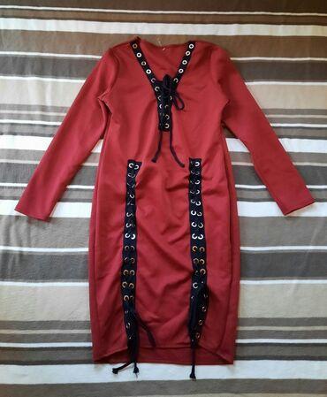 Haljina materijal elastin - Srbija: Crvena bordo haljina sa pertlama. Izuzetno atraktivnog izgleda. Materi