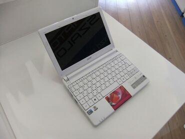 Acer mini netbook 10 Intel atom  4 Gb Ram 320 Gb hard disk Windows 7