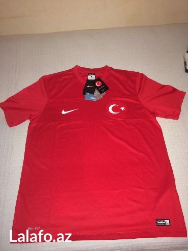 Bakı şəhərində Original Nike futbolka razmer L.Tezedir made in Türkiyə.