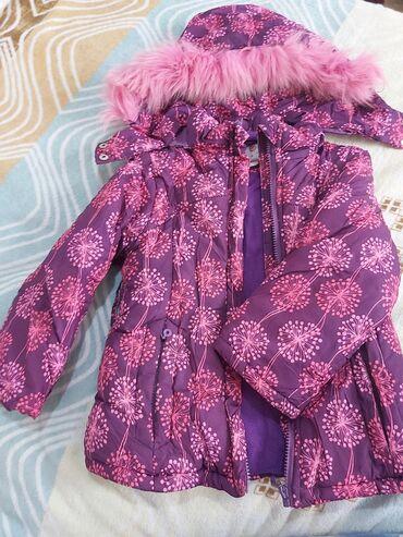 Детская куртка на 3-5 лет зимняя в хорошем состоянии