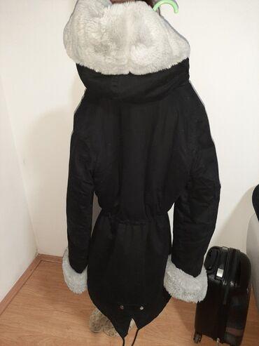 Zimska jakna sa krznom - Srbija: Jakna je nošena prosle zime, jednom je obucena, krzno moze da se