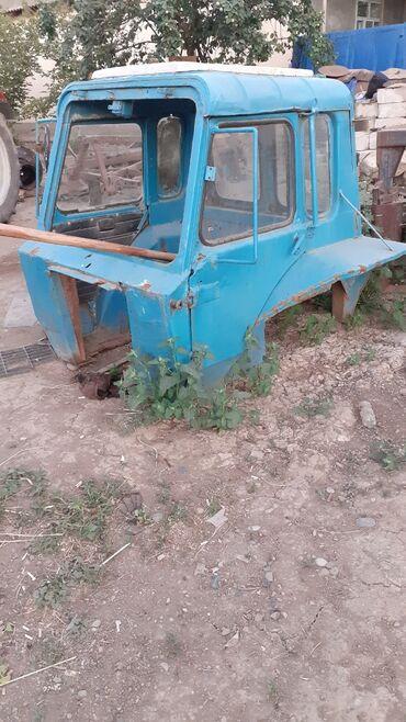 трактор мтз 80 запчасти в Азербайджан: MTZ 80 kapinkasi narmal vezyetdedi dal qabag patpresi yoxdu alana