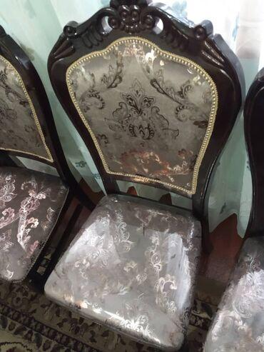 meizu 15 белый в Кыргызстан: Стол со стульями,обсолютно новыепокупали не давно.срочно продаю в св