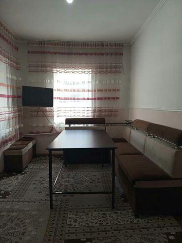 уголок для кухни в Кыргызстан: Срочно продаю!уголок+стол+3пуфики=14000.Делали на заказ, состояние