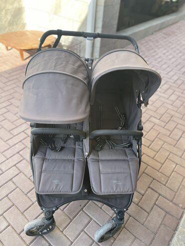 11188 объявлений: Продаётся коляска Фирмы Valco Baby для двойни или погодок ! Супер