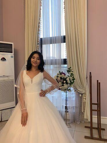 свадебные платья in Кыргызстан   МАТЕРИНСКИЕ ПЛАТЫ: Продаю свадебный платья + в подарок платья на кыз узатуу размер 42-4