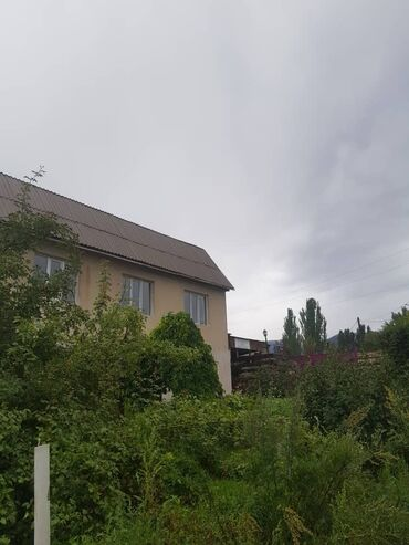 чолпон ата комнаты in Кыргызстан | ЖҮРГҮНЧҮЛӨРДҮ ТАШУУ: Продаю 2-уровневый дом в г.Чолпон-Ата с мансардой, хозпостройками