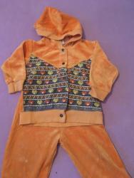 Ostala dečija odeća   Futog: Plisana trenerka vel. 74 cm  Prodajem plisanu narandzastu trenerku vel