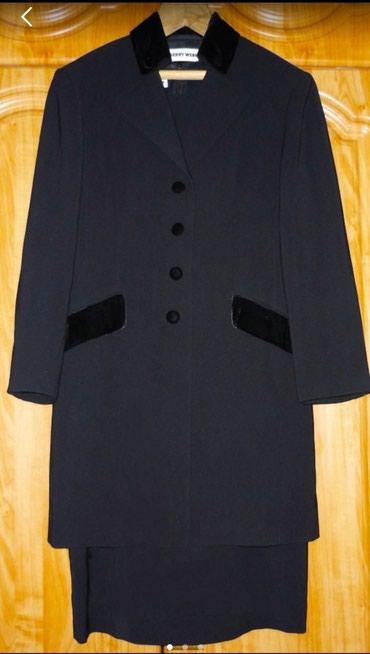 Продаю в идеальном состоянии костюм в Бишкек