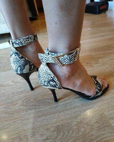замшевые туфли бежевого цвета в Кыргызстан: Распродажа стильной женской обуви различных фирменных брендовСезон
