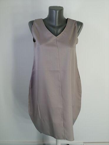 Haljine | Bor: Balon haljina, bez ostecenja. Pozadi je malo duza u odnosu na prednji