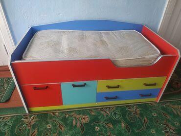 Детский мир - Майлуу-Суу: Город Жалал-Абад, детская кровать 2500сом в хорошем состоянии (чистая)