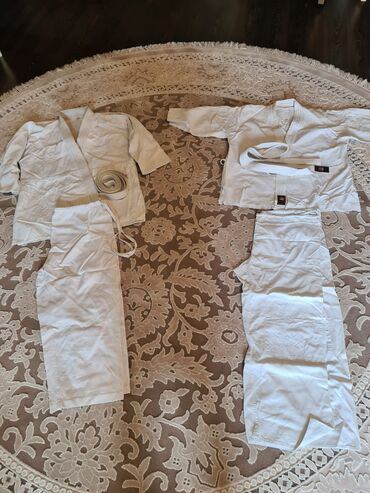 Продаю взрослое кимоно, 2 шт по 500 с