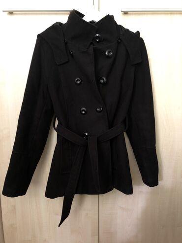 Kraci crni zenski kaput, velicina M/L