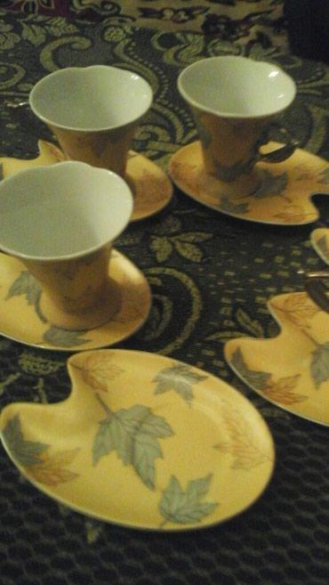 Bakı şəhərində Kofe dəsti 4man, fincanın biri sındığı üçün ucuz verirəm.
