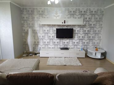 Сдаю( долгосрочно) 3к.квартиру в центре города по ул.Киевская во двор