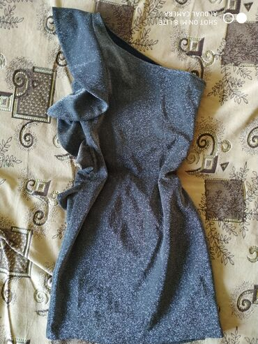 вечерние платья из бархата для полных в Кыргызстан: Красивое платье.одето 2 раза.размер 38