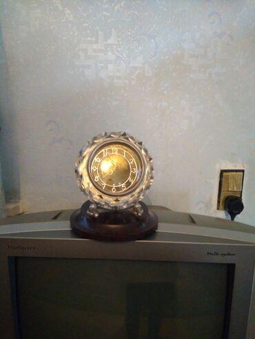 Антикварные часы - Азербайджан: Stol saatı, qədimidir, yaxşı vəziyyətdə