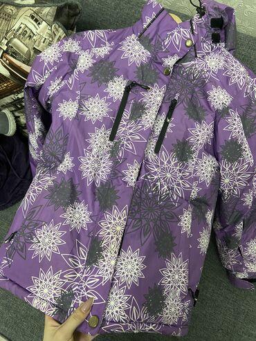 Продаю 2 горнолыжных костюма,размер первого (44-46) - 2000сом; размер