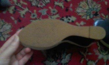 очень срочно срочно  девчонки продаю босоножки новые новые. размер 39  в Бишкек