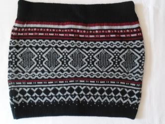 Zimska suknjica - Srbija: Zimska mini suknjica uz telo. Veličina je M, ima lastiš u pojasu. Mere