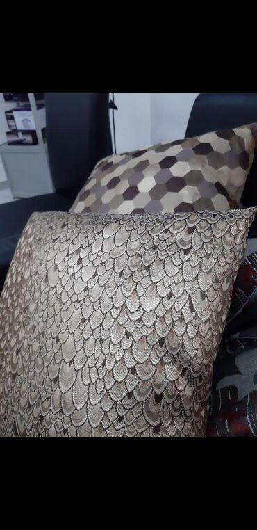 Ostalo za kuću | Kraljevo: Jastuci 300 din po komadu