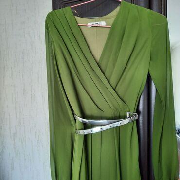 Турецкое платье,отличного качества,состояние 10/10,размер s и на m