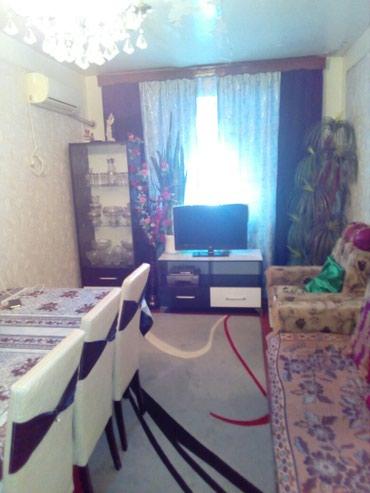 İmişli şəhərində Imişlidə bina evi satılır .Dəmir yolu xəstə xanasının yanı