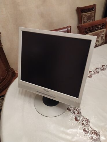 "fujitsu lifebook fiyat - Azərbaycan: Monitor Fujitsu Siemens B17-2 LCD Dioganal 17"" camera ustalari ucun"