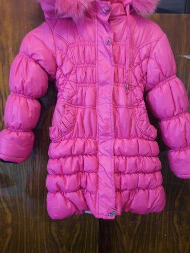 Куртка Зимняя  на девочку в отличном состояние размер на  5-6 лет.  в Бишкек
