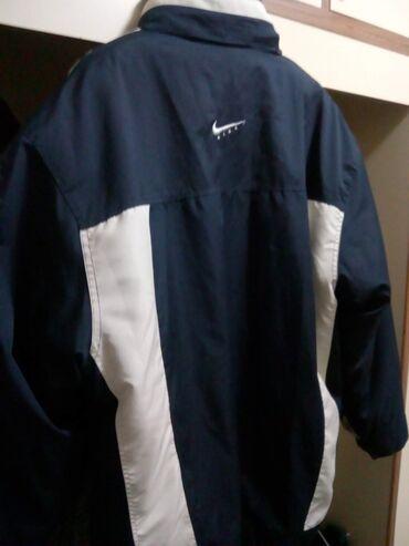 Zneske pantalone legend - Srbija: ZIMSKA MUŠKA JAKNA (marka Nike)   Muška jakna veličine XXL, vrlo udo