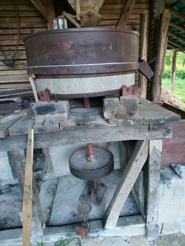 Na prodaju mlin za mlevenje kukuruza u exta stanju cena dogivor - Petrovac na Mlavi