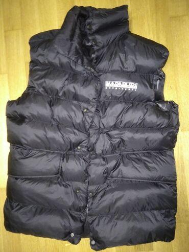 Napapijri akke vestFits big Worn only a few timesSize small fits