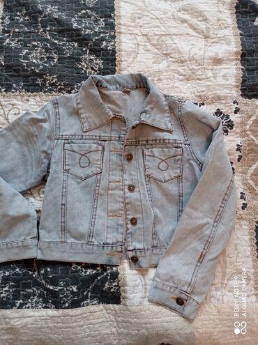 работа для детей 10 11 лет бишкек in Кыргызстан   ШКОЛЬНАЯ ФОРМА: Укороченная джинсовая куртка,подойдет на девочек 12 лет, джинсовая