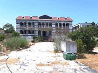 Bakı şəhərində Satış Evlər vasitəçidən: 640 kv. m., 7 otaqlı
