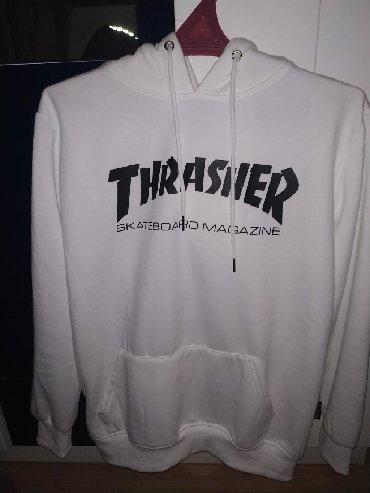 Толстовки - Бишкек: Худи thrasher.  Состояние идеальное. СРОЧНО!!!