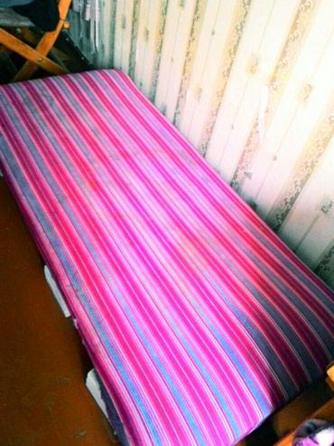 Матрас 1 шт , как кровать с ножками,  в Бишкек