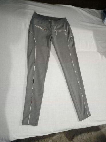 Pantalonice s - Srbija: Prelepe sive pantalonice, vel S. Nosene par puta, kao nove su. Cena
