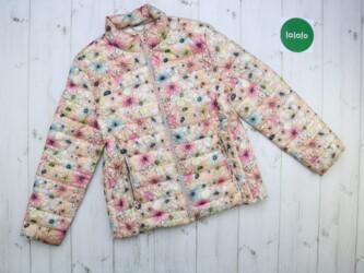 Жіноча куртка в квітковий принт    Довжина: 57 см Ширина плеч: 39 см Р