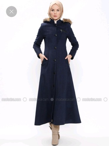 жен пальто в Кыргызстан: Пальто шикарное женское новое с этикеткой с капюшоном идеально сидит