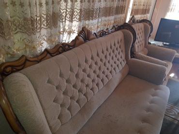 Gəncə şəhərində Satilir 700 azn.ela veziyyetdedir. divani acilir.