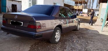 Mercedes-Benz E 230 2.3 л. 1992