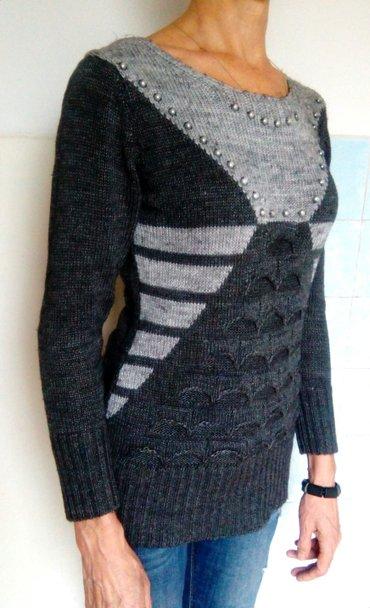 Продам теплый свитер с интересным в Бишкек