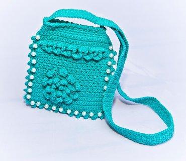 Продаю вязаные сумочки для девочек, можно под мобильный.. Ручная в Бишкек - фото 5