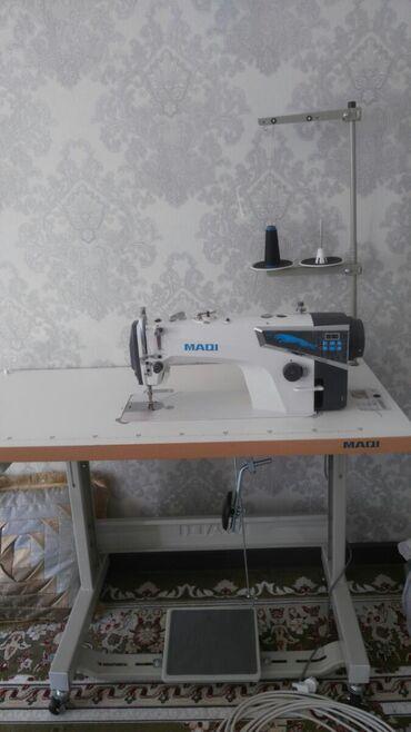 швейная машинка зингер цена в Кыргызстан: Срочно срочно!!!. Прямострочка только с автоматической обрезкой купила