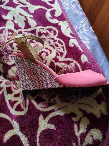 Женская обувь в Бишкек: Женские туфли