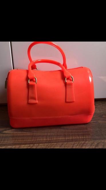 Сумка новая бренда Furla, можно носить как деловую сумку так и пляжную в Бишкек