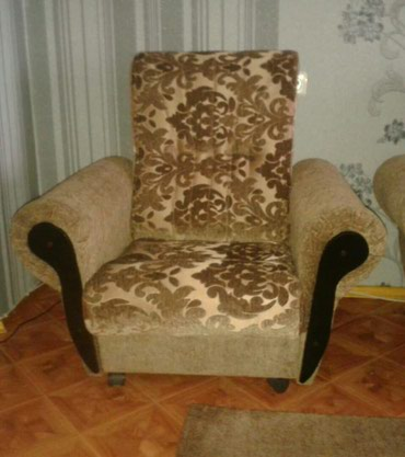Ремонт мебели - Кыргызстан: Ремонт перетяжка мягкой мебели .качественно. любой сложности стаж 20 л