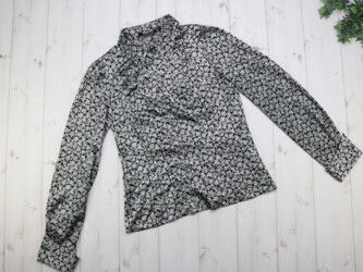 Женская цветочная рубашка Pretty One Длина: 55 см Рукава: 63 см Плечи