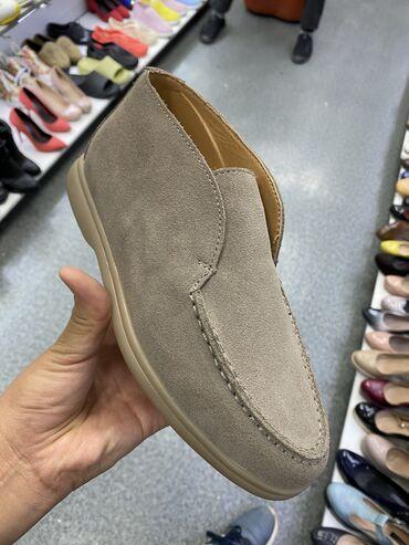 Новая обувь  Размер 40 БОЛЬШЕМЕРЯТ, подойдут на 41
